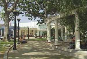 Rehabilita Oficina del Conservador de Cienfuegos segundo parque más importante de la ciudad