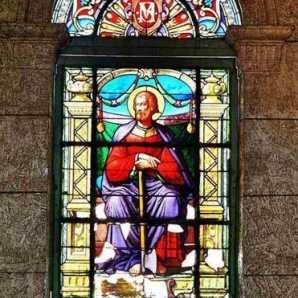 Avanza restauración de vitrales en catedral de Cienfuegos