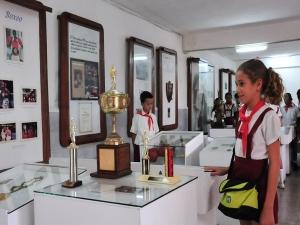 También funciona allí el Museo del Deporte de Cienfuegos, que es visitado a diario por muchas personas