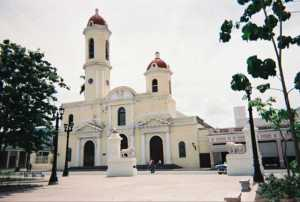 Avanza restauración de catedral cubana en Cienfuegos
