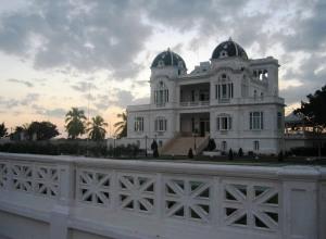 El Club Cienfuegos, patrimonio arquitectónico