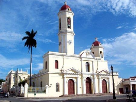 Remodelan Catedral de la Iglesia Católica de Cienfuegos