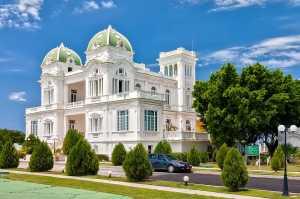 Club Cienfuegos, símbolo del eclecticismo en Cuba
