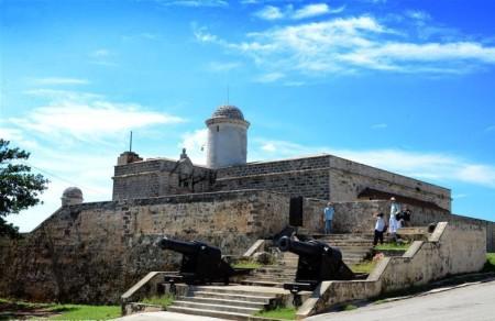 Constituyen en Cienfuegos red de fortalezas militares de Cuba