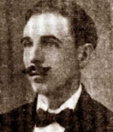 """Adrián del Valle, autor del libro """"Tradiciones y Leyendas de Cienfuegos"""""""