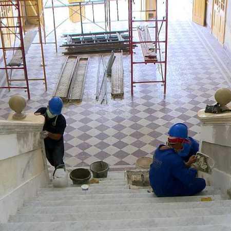 Restauran en Cienfuegos edificio del Gobierno Provincial