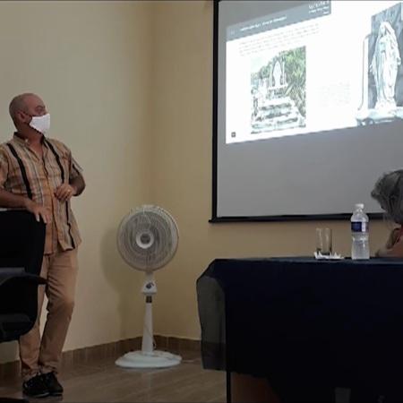 Presentan libro digital sobre Cementerio Tomás Acea